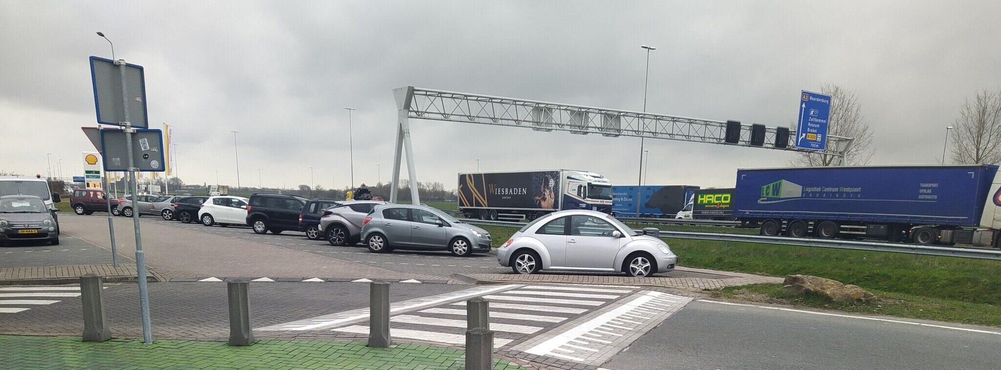 Snelheidsremmers langs de snelweg